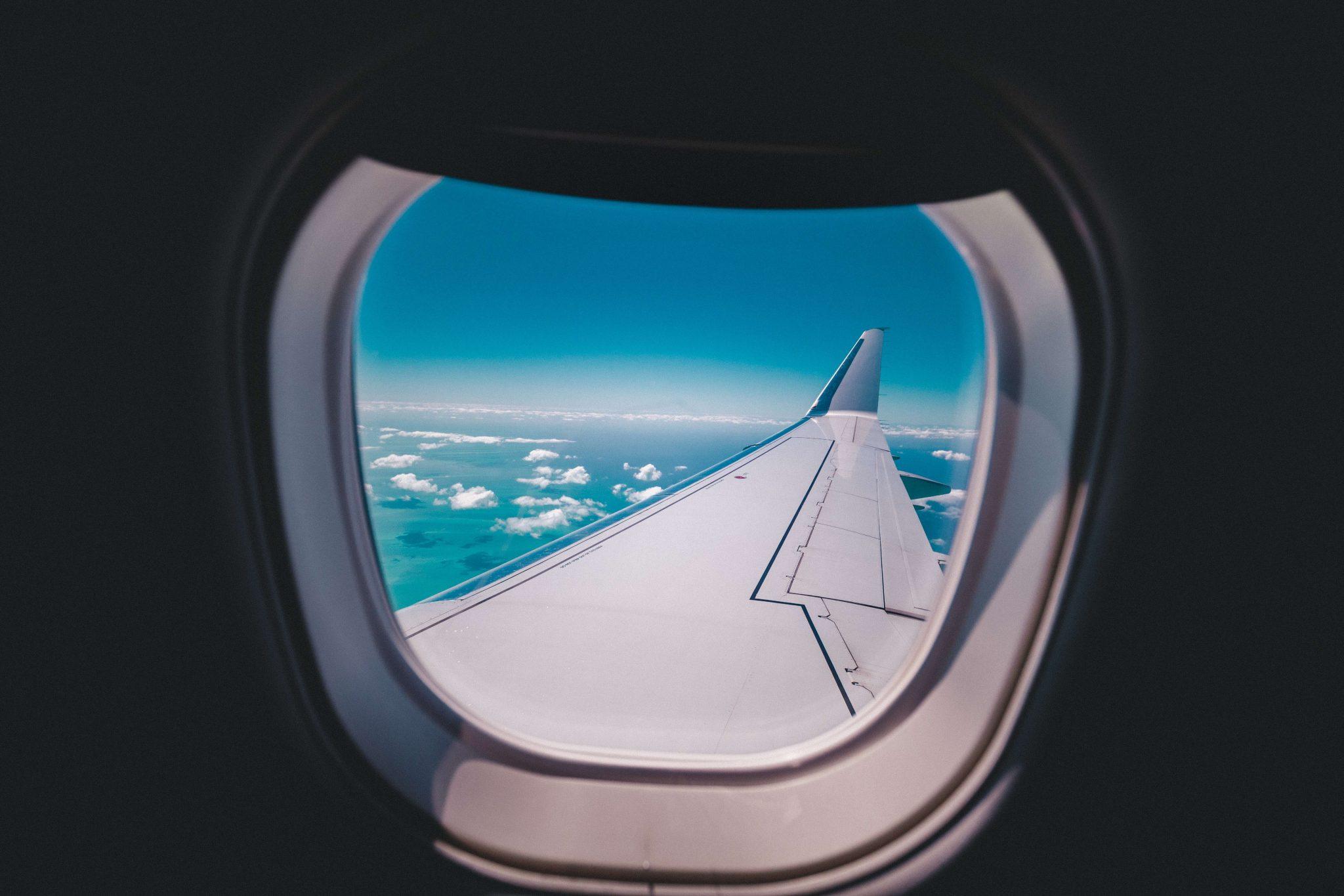 Schlafen im Flugzeug – 6 nützliche Tipps